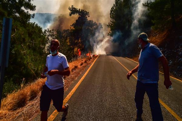 Turkey battles wildfires for 6th day, 10,000 are evacuated