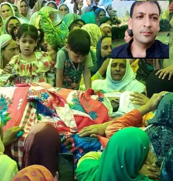 Funeral prayer of 32-year-old anjum khan held at pathanatir, thousands participated.