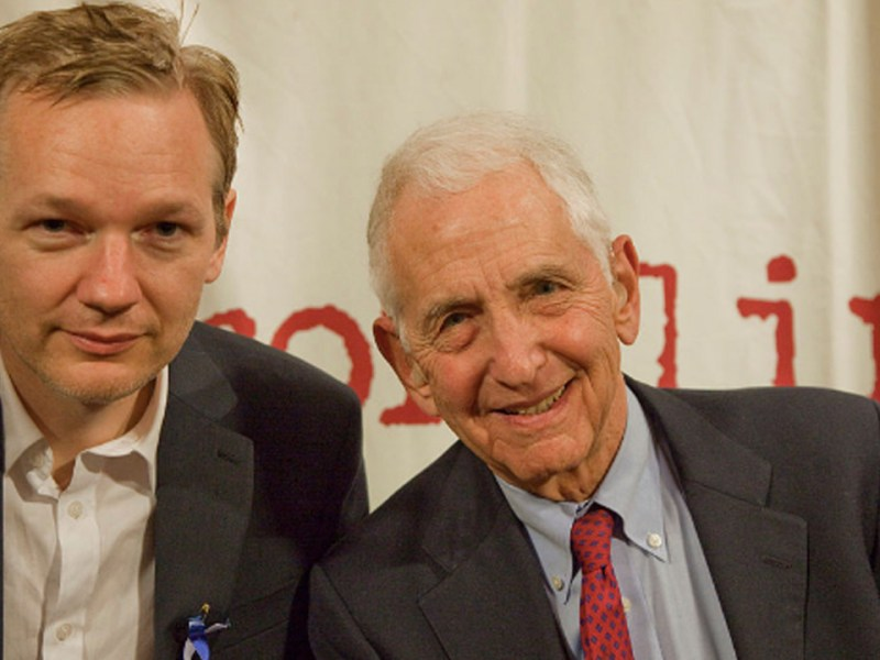 Daniel Ellsberg On Assange Arrest: The Beginning of the End For Press Freedom