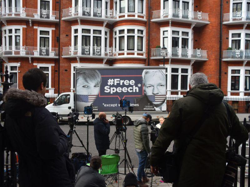 Assange Arrest Free Speech Sign