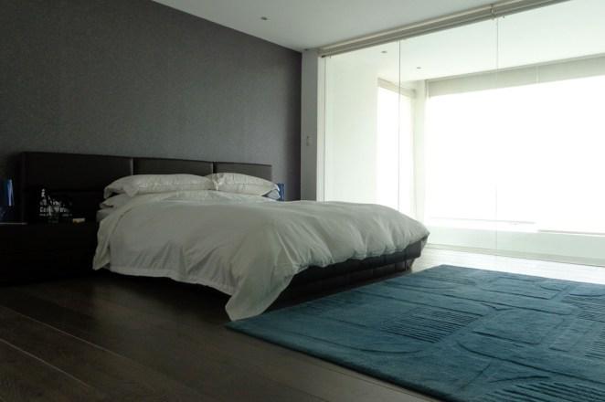 6-home-identity-flat-bedroom-alexandra-kollaros