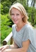 Liz Swann Miller,