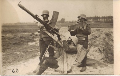 Amazing Historical Photos Pictures Incredible Mindblowing Photograph Old History Crazy Weekly Show WWI Germany Gas AA
