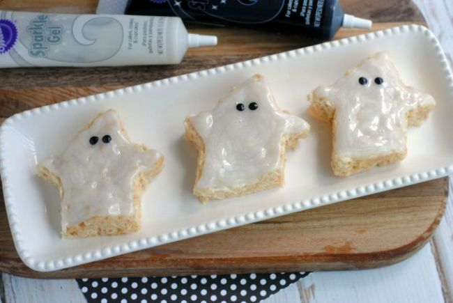Spooky Halloween Treats - Ghost Crisped Rice Treats