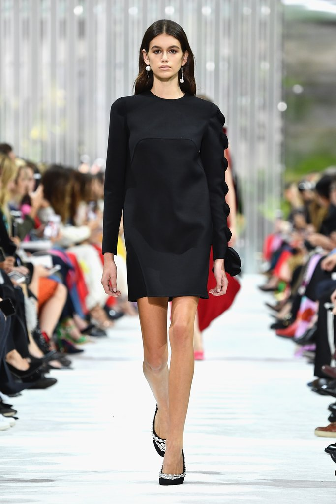 kaia-walked-runway-valentino-show-very-glamorous-lbd