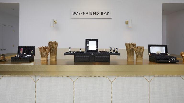 the-coco-club-boy-friend-bar-2-1510339616