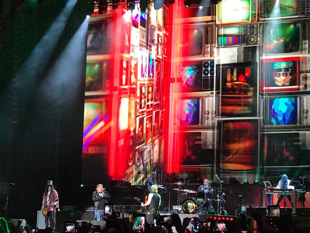 Guns'n'Roses at Exit 111