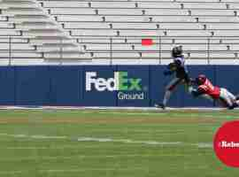 Channing Ward (11) in pursuit of Stringfellow (3)