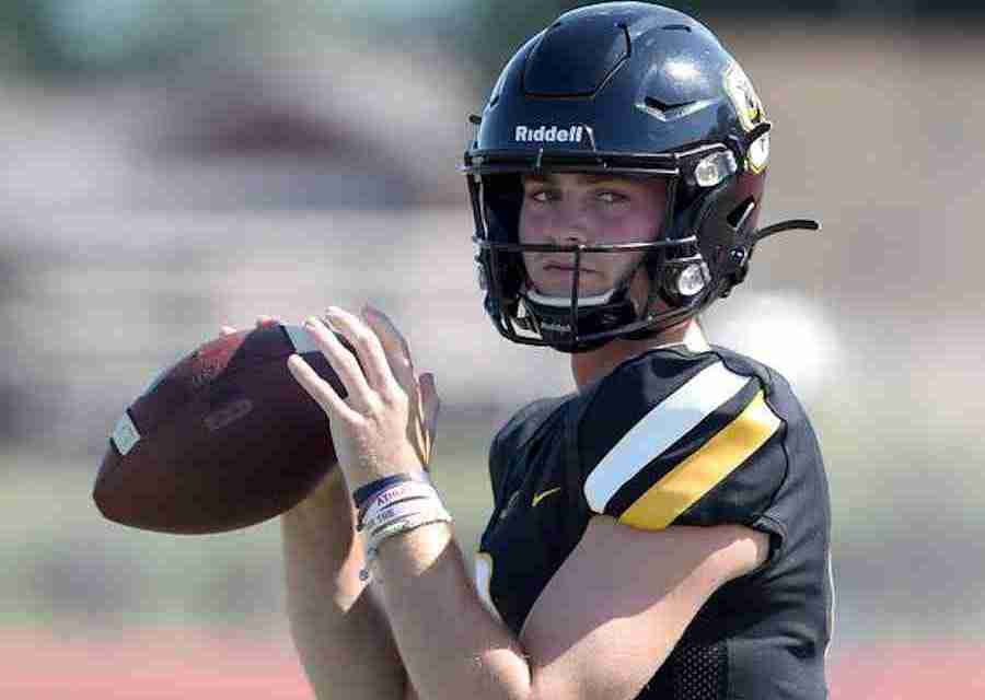 Four-star QB Luke Altmyer verbally commits to the Rebels