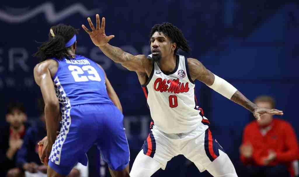 Ole Miss Beats Kentucky, 70-62