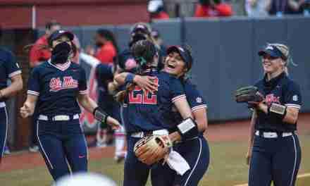 Softball Takes Down MSU 4-1, Clinches Series