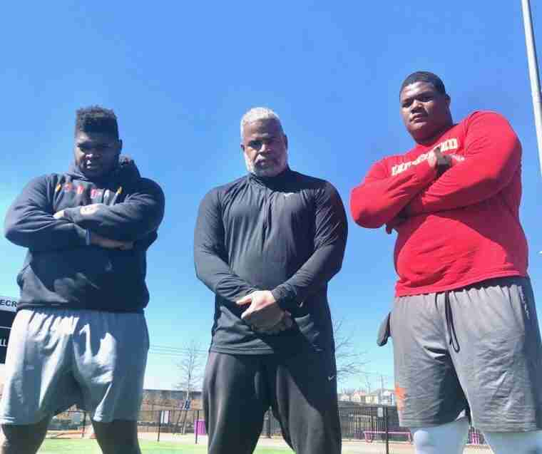 RW Recruiting: Interview with 2023 Ole Miss DL target Sydir Mitchell and trainer Leroy Thompson