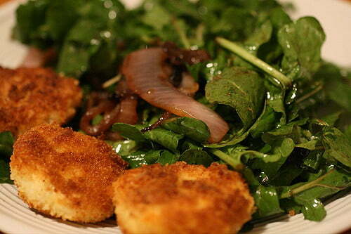 Fried Goat Cheese with Arugula and mint - Onlinerecipe.club