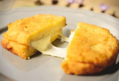 Warm Mozzarella Sandwich - Mozzarella in Carrozza - TheRecipe.Website