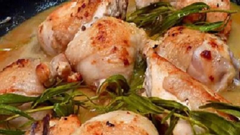 French Chicken with Tarragon (Poulet au Blanc a l'Estragon)