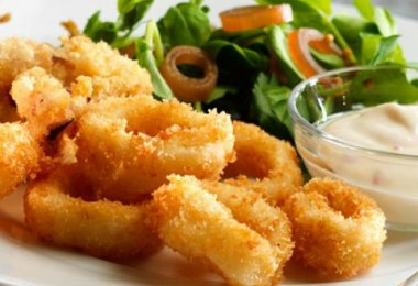 Fried Squid (Kalamarakia)