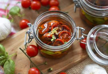 Oven Baked Tomatoes in Garlic and Oil