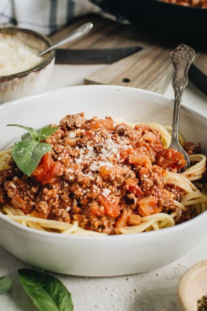 Easy Spaghetti Sauce Over Pasta