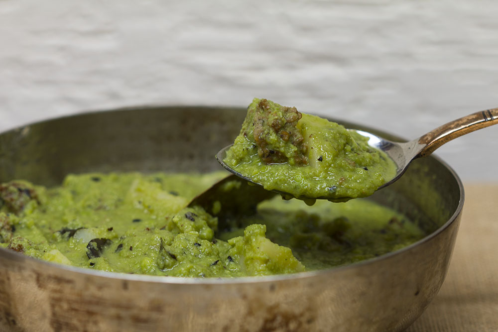 Green peas, warian from Amritsar, and gentle spices make this an amazing winter dish.