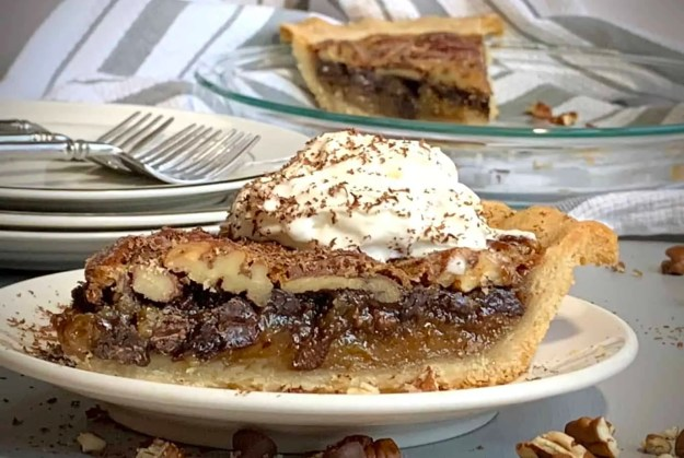 Easy and delicious Chocolate pecan pie