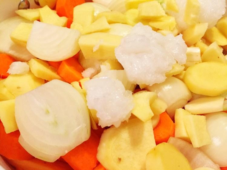 Suesskartoffel-Ingwer Suppe_Topf
