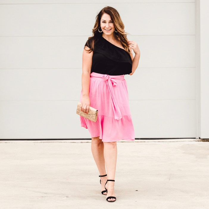 Off the shoulder Gibson ruffle top with pink tiered skirt and black wedges
