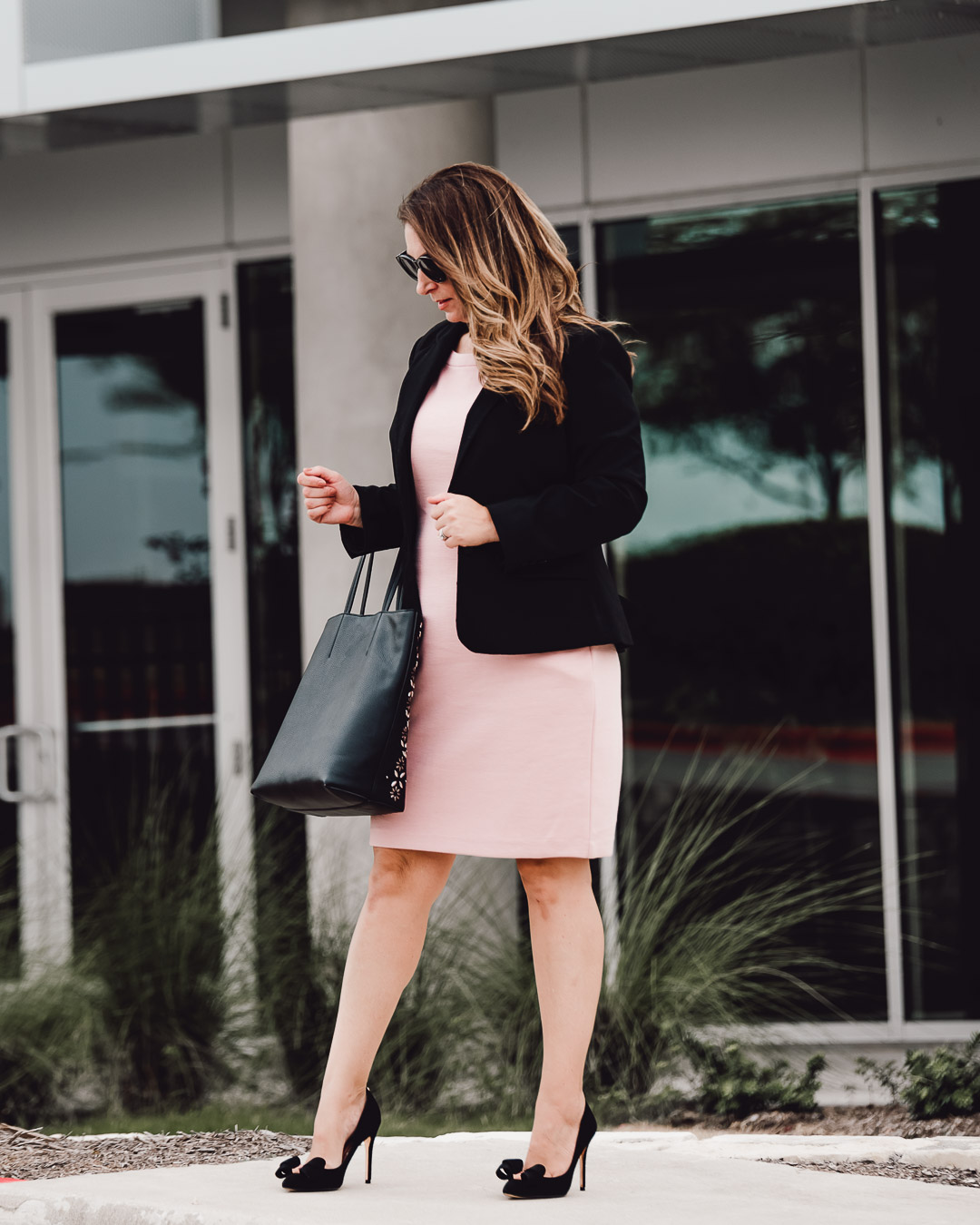 Professional dress in sized 10/12. Boden, Ann Taylor, Ted Baker #pinkdress #professionaldress #corporatedress