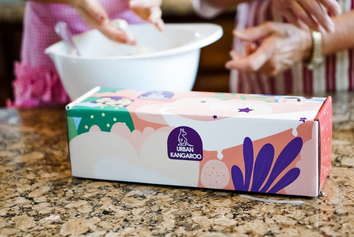 homemade bath bombs make a great birthday gift or project to do with grandparents - Urban Kangaroo Bath Bomb making kit