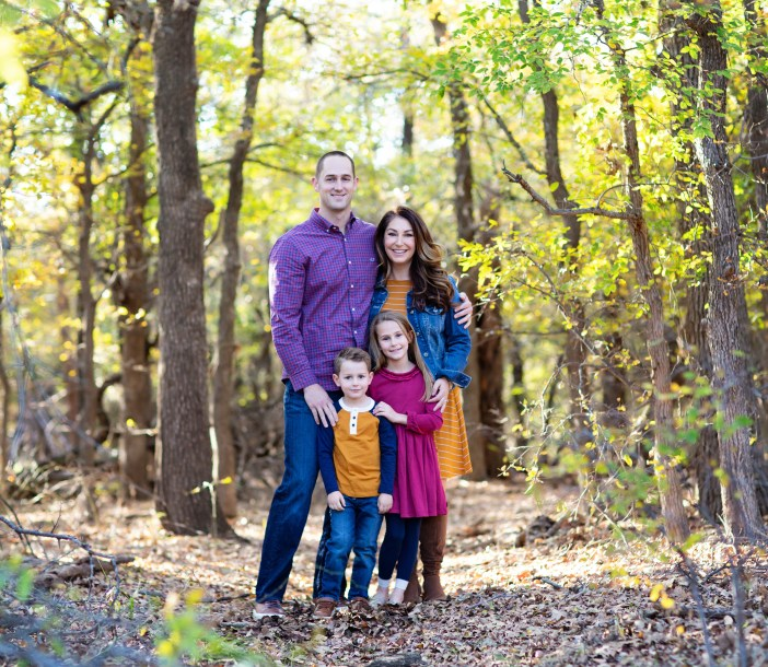 Fall Family Outfits // 3 color schemes for fall photos