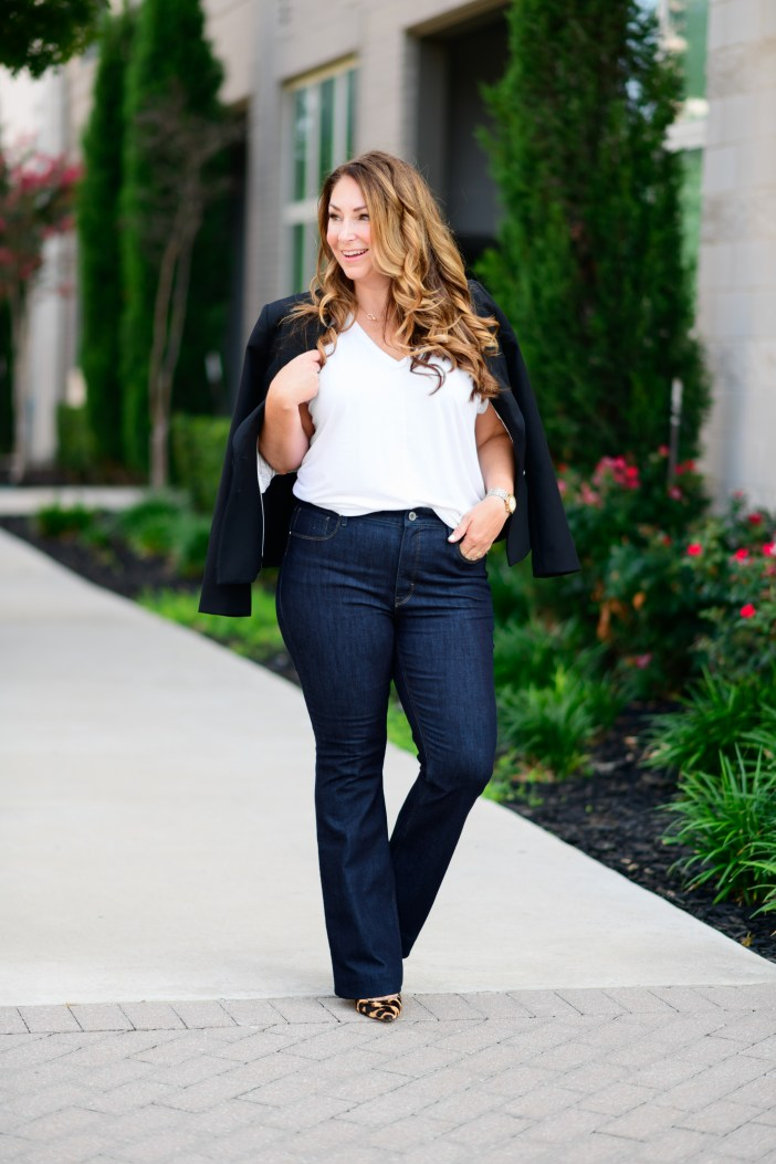 #whitehouseblackmarket #whbm #whbmjeans #flarejeans #flare #jeans #businesscasuallook #falljeans #businesscasual #jeanslook #falllook #falloufit