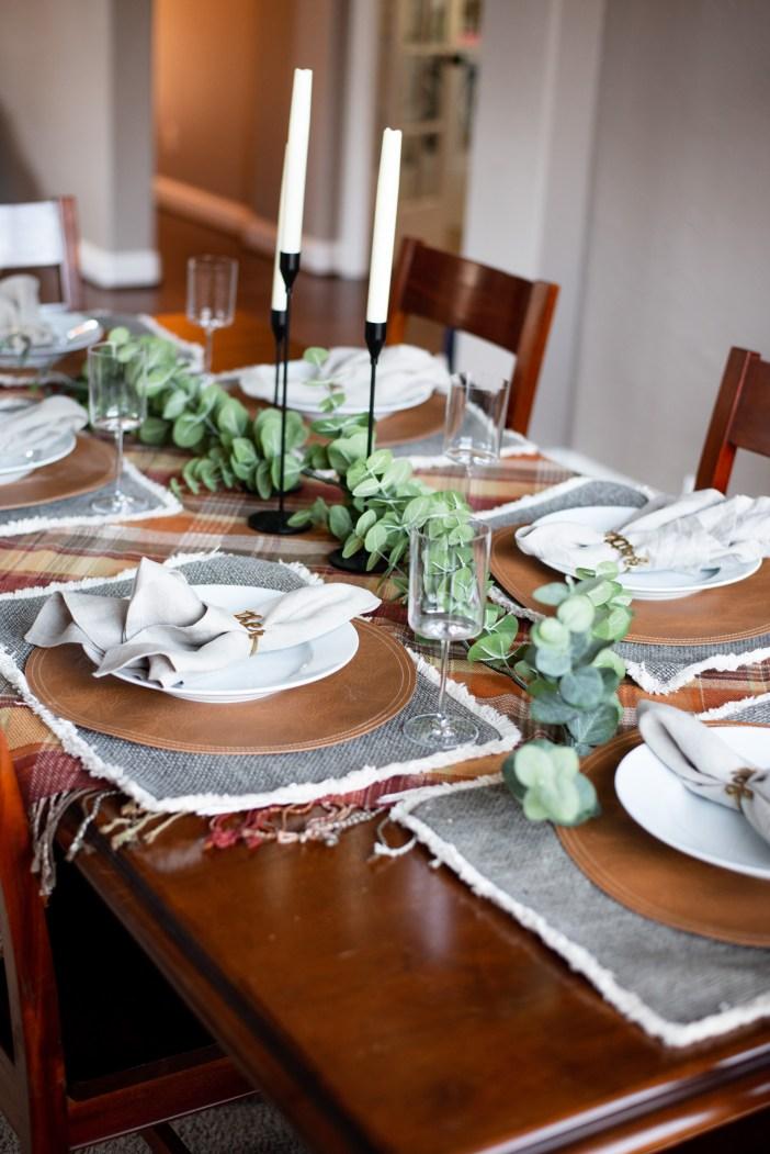Fall Home Decor #falldecorations #tabledecorations #tablerunner #chargerplates #falltable #falltabledecorations