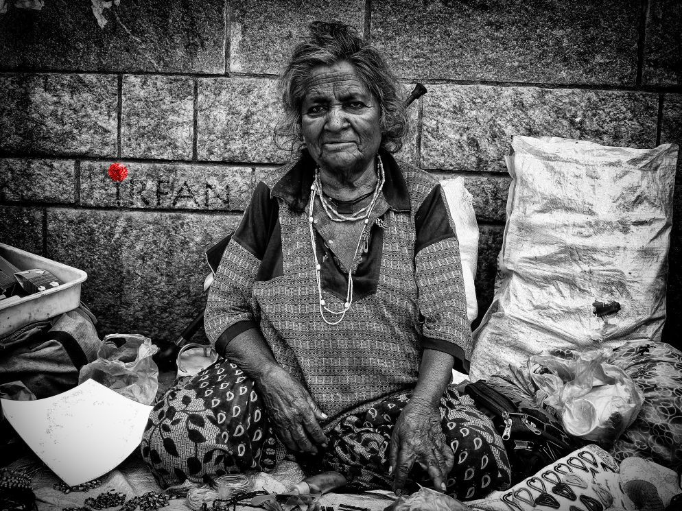 OLD WOMAN, LADY, OLD, black and white, portraits, irfan hussain, thereddotman, irfan, hussain