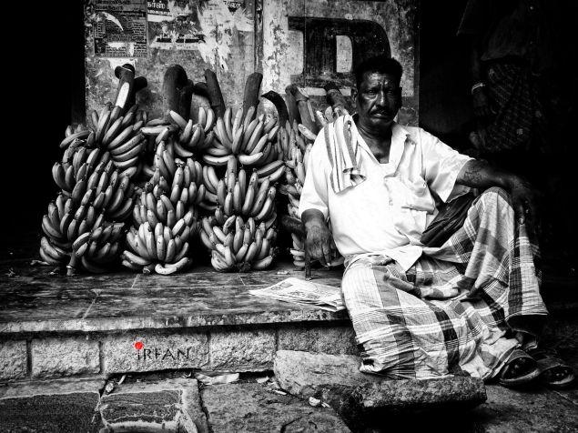 banana merchant, black and white, portraits, irfan hussain, thereddotman, irfan, hussain
