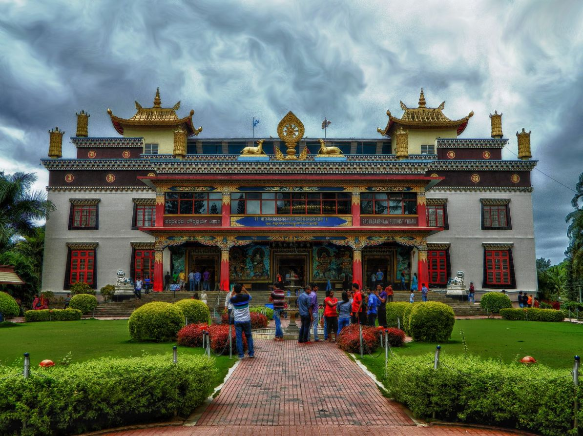 bylakuppe, buddhist monastery, irfan, hussain, thereddotman, the red dot man., HDR, High dynamic range, Nikon L120, Nik HDR EFEX