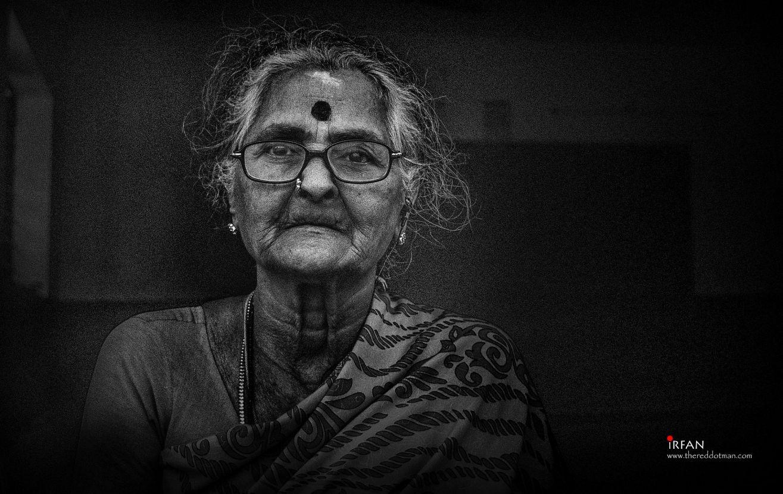 old lady, siragu, irfan, hussain, thereddotman, black and white, nik silver efex, nikon d3300