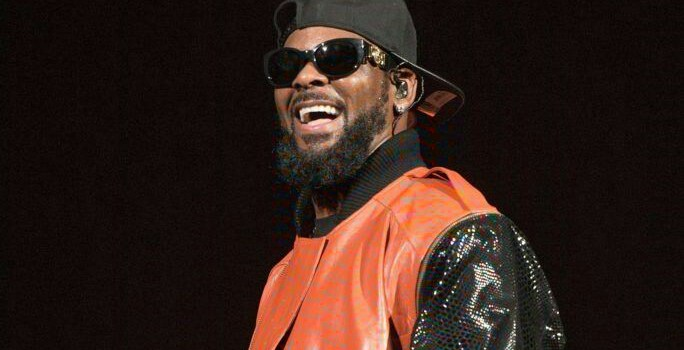 Spotify removes R.Kelly music from Its Playlists due to new policy