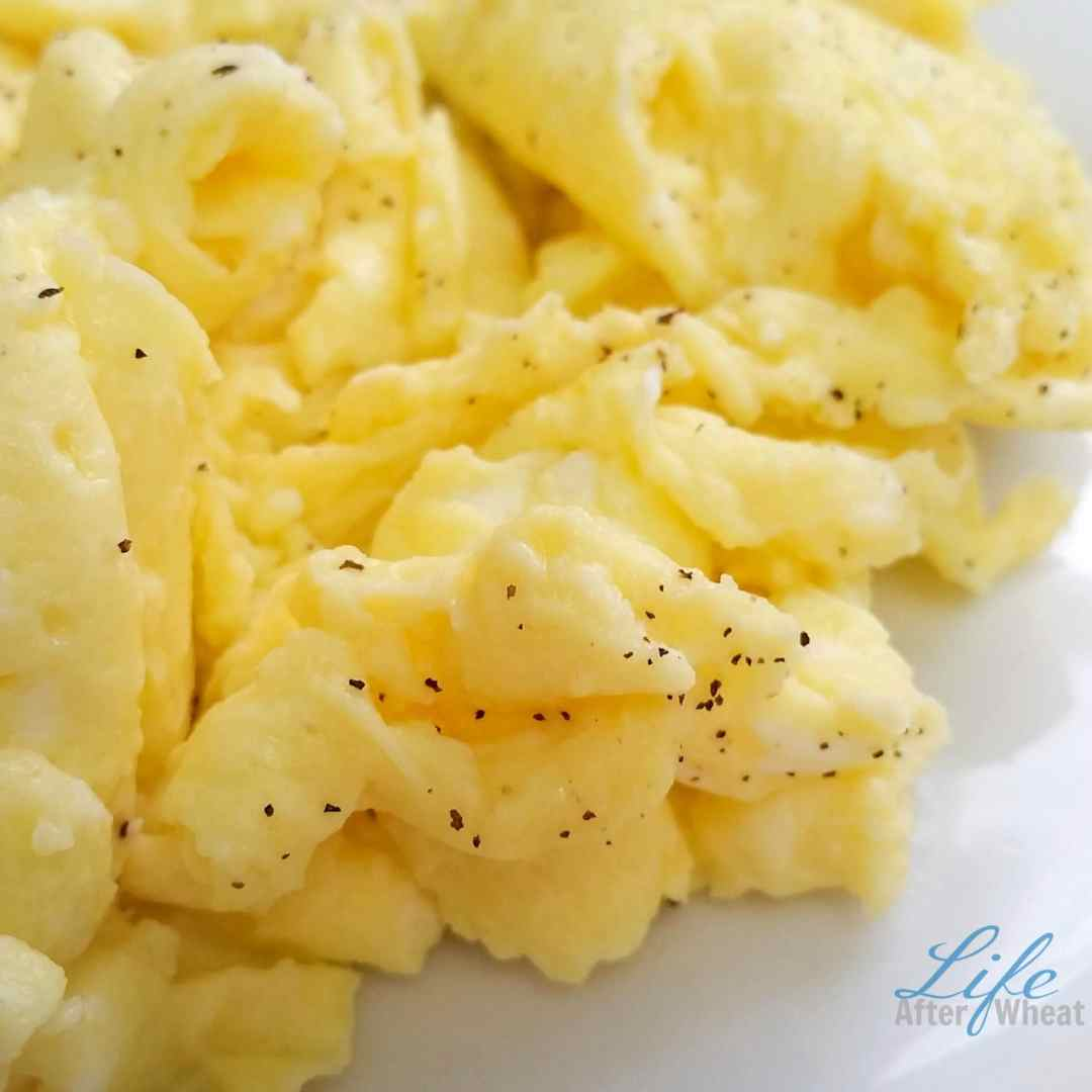 The perfect recipe and all the tips you need to make those irresistibly fluffy scrambled eggs.