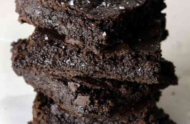 Chewy, fudgy, chocolate brownies sprinkled with sea salt and gluten free! 10 ingredients, 15 minutes to mix 20 minutes to bake.