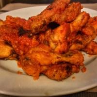 recipe: gluten-free crispy buffalo wings with pub sauce