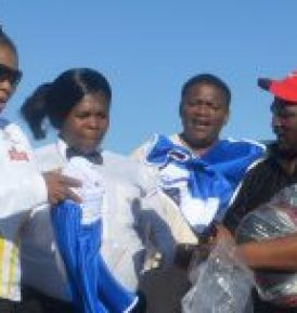 Kit for Komani boxers, with from left, MEC Pemmy Majodina, referee Victoria Stemela, Khaya Mdlebe and Mabhuti Mapeyi  Picture: ABONGILE SOLUNDWANA