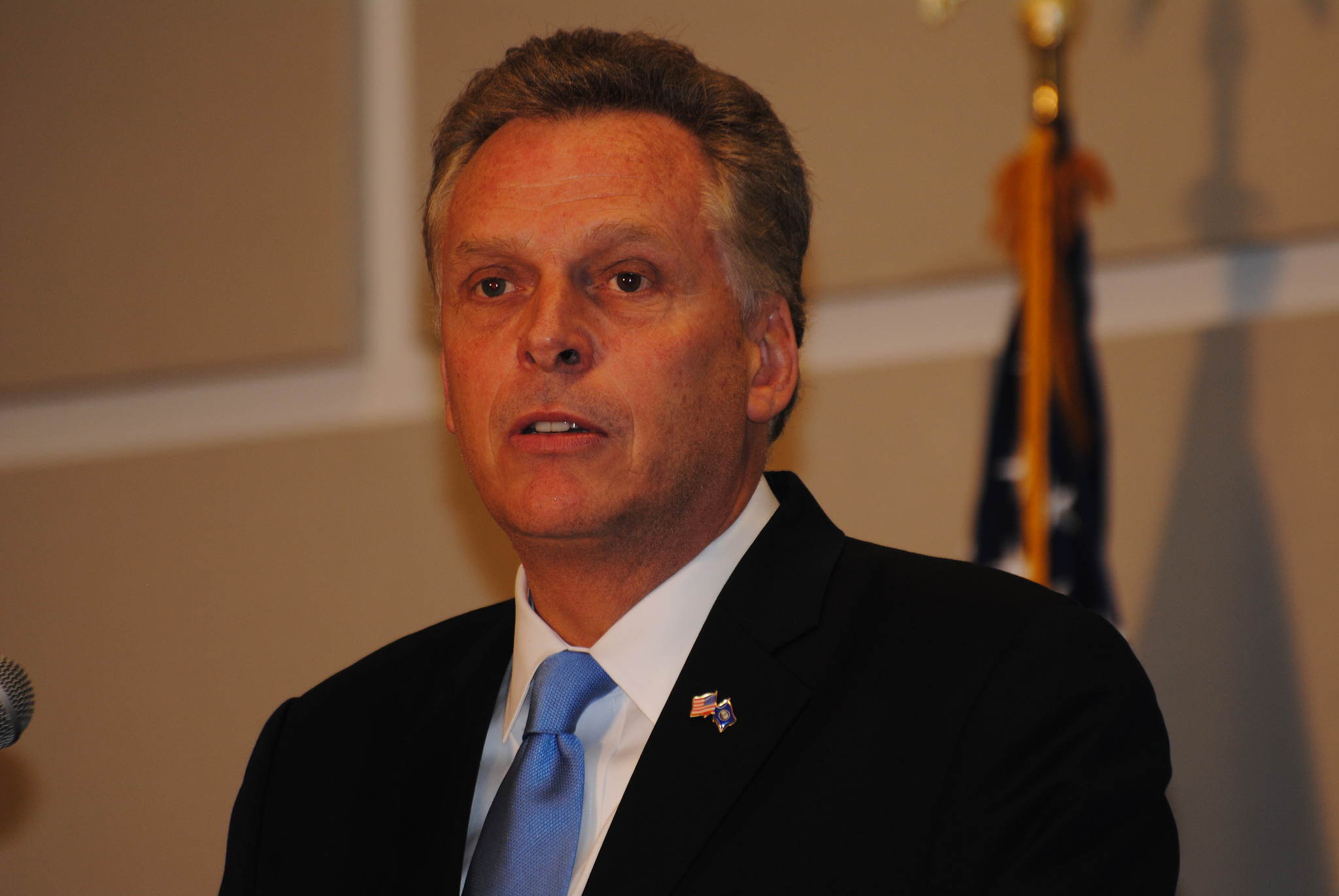 McAuliffe says he'd punch Trump if he 'got in my space'