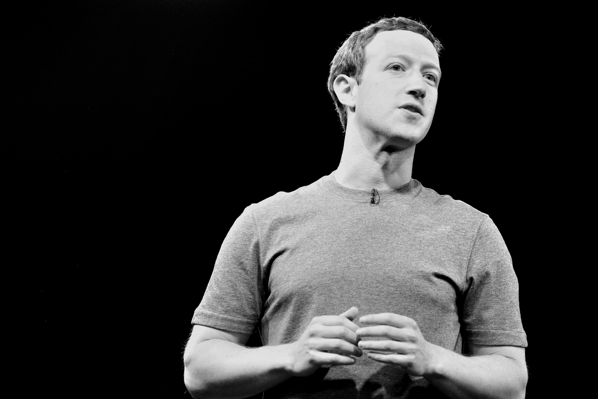 Facebook's Zuckerberg shows savvy in human interaction