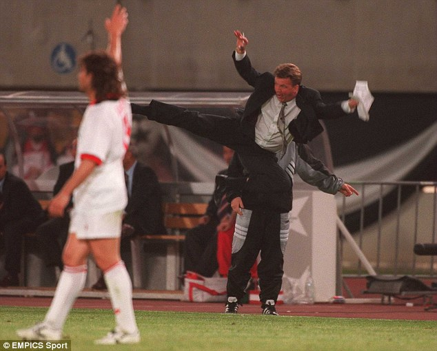 He would make eric cantona proud img werdum also learned the flying kick from the man u legend. Picture The Reason Lvg Won T Go On The Touchline