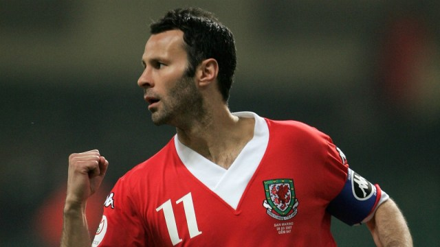 Does Giggs deserve criticism from Welsh fans?