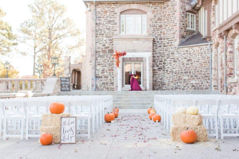 Outdoor Colorado wedding at Highlands Ranch Mansion in Colorado. Denver metro area wedding locations
