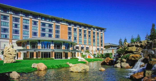 Hotel_Water Fall