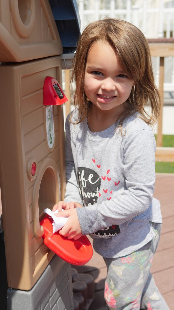 Children can mail Earth day letters and posters in the Go Green Playhouse from Little Tikes. (c) Theresa's Reviews