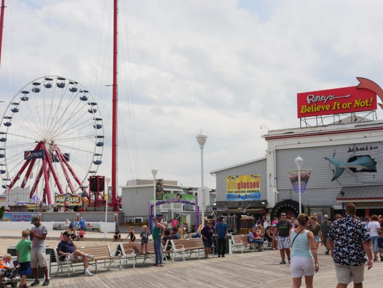 If you're looking for a great time in Ocean City, Maryland, you're in the right place! This popular tourist destination offers summer family fun. By Theresa's Reviews