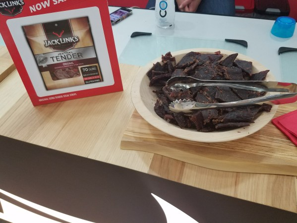 Jack Links Tender at Natural Products Expo East 2017 - Theresa's Reviews #ExpoEast #ExpoEast2017