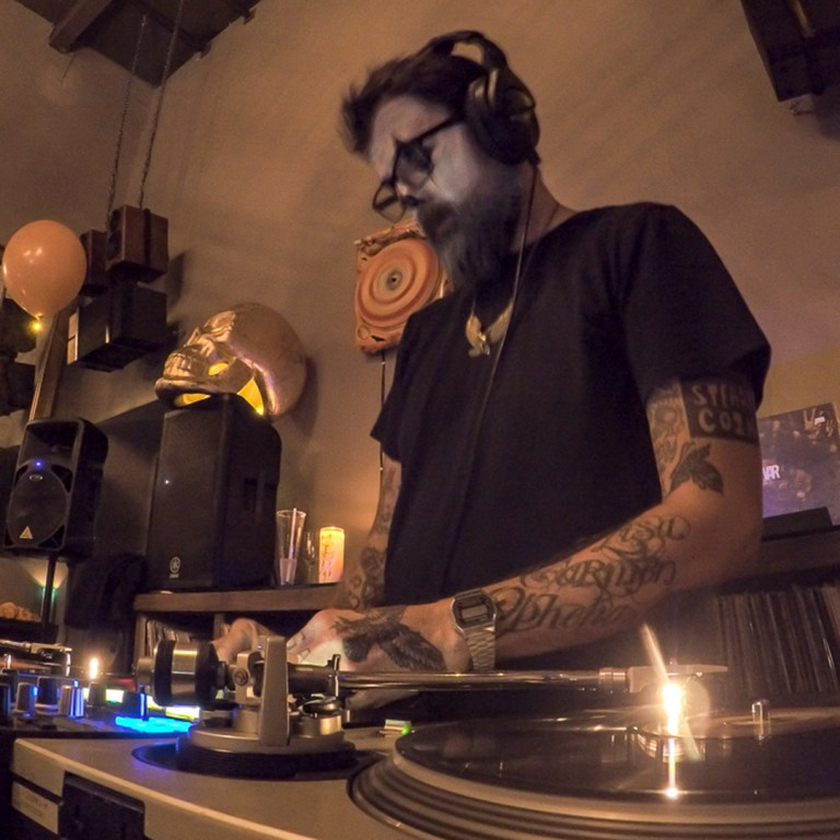 TheBarattheR-DJ-11